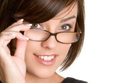 ضرورت استفاده از عینک آنتی رفلکس