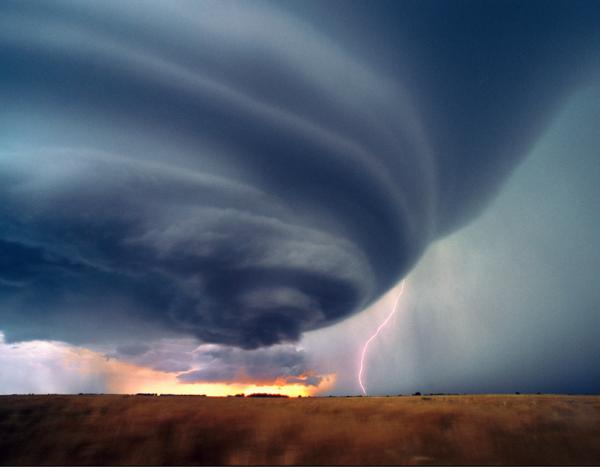عکاسی از گردباد